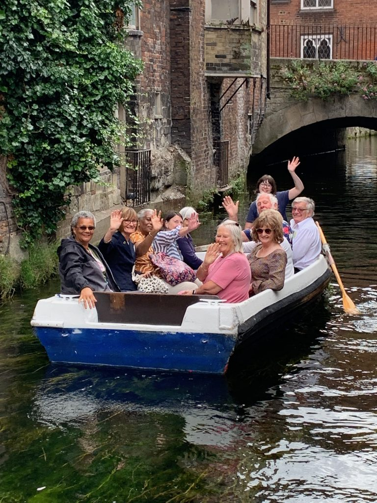 Picture of Forum members on boat. A trip to Kent.